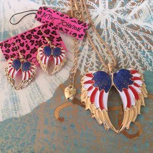 Betsey Johnson 🇺🇸 Angel Wing Necklace Set